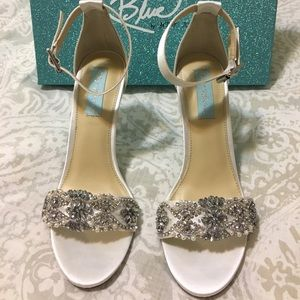 Betsey Johnson Gina Ivory Sandals